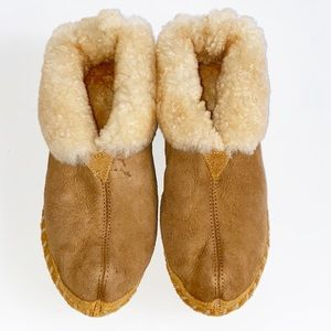LL Bean Mens Leather and Shearling Slippers Size 9
